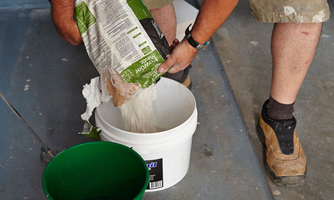 قیمت چسب کاشی| خرید چسب سرامیک پودری خمیری | پودر بند کشی | چسب بتن